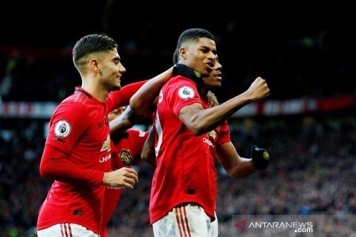 Manchester United tundukkan Brighton 3-1