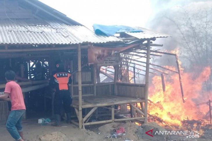 Kebakaran wisata Karangpara akibatkan kerugian mencapai puluhan juta rupiah