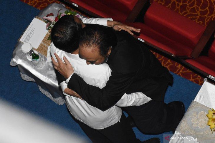 Surya Paloh: Saya ingin peluk erat Jokowi, seerat memeluk Sohibul Iman