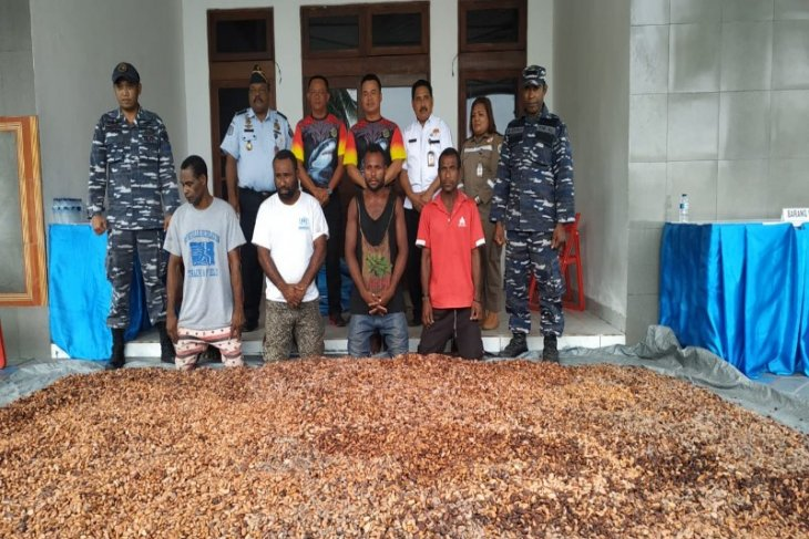 Navy arrests four PNG citizens for possession of illegal cacao