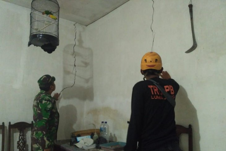 Belasan rumah di Lumajang retak terdampak gempa Gunung Lemongan
