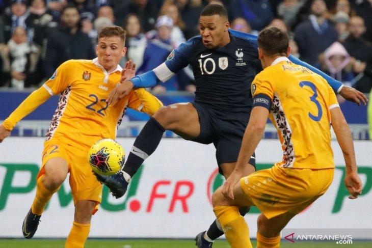 Deschamps sebut PSG berhak larang Mbappe tampil di Olimpiade