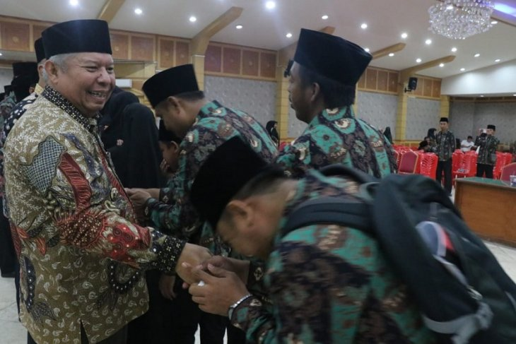 Bupati Safrial lepas kafilah MTQ Kabupaten Tanjung Jabung Barat