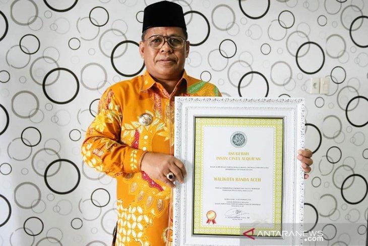 Walikota Aminullah terima penghargaan Insan Cinta Al Quran