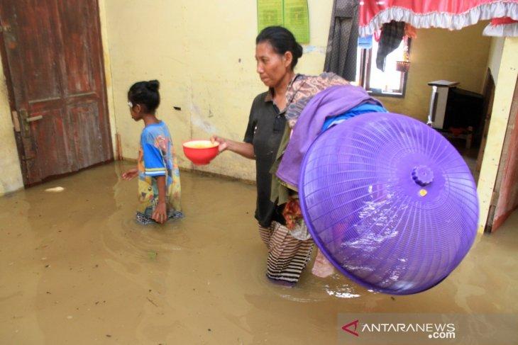 Lima kecamatan di Aceh Barat terendam banjir