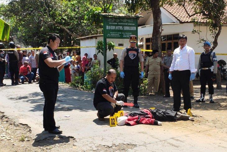 Korban diisukan dukun santet di Lumajang dibunuh dengan celurit