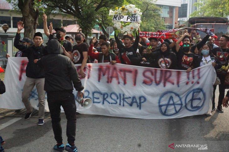 Tiga suporter Timnas Indonesia ditahan polisi Malaysia