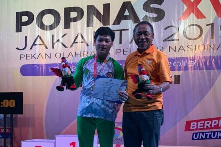 Lifter Kaltim Muhammad Faathir pecahkan rekor dunia di Popnas