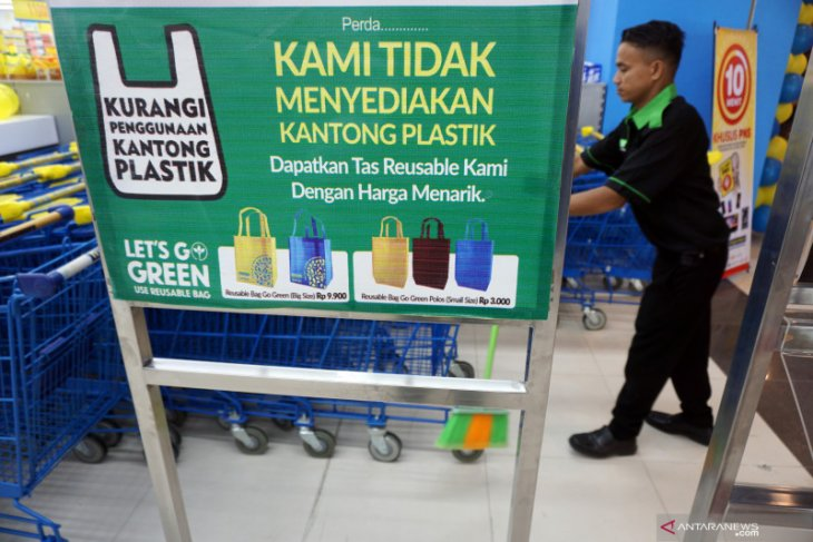 Finance Minister suggests imposing Rp30,000 excise on every kg plastic
