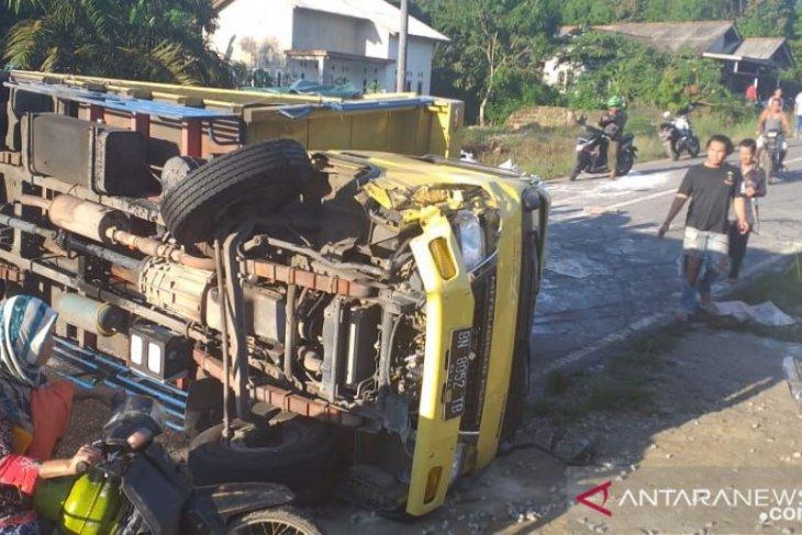 Tabrak truk, dua  pelajar SMA Bangka tewas