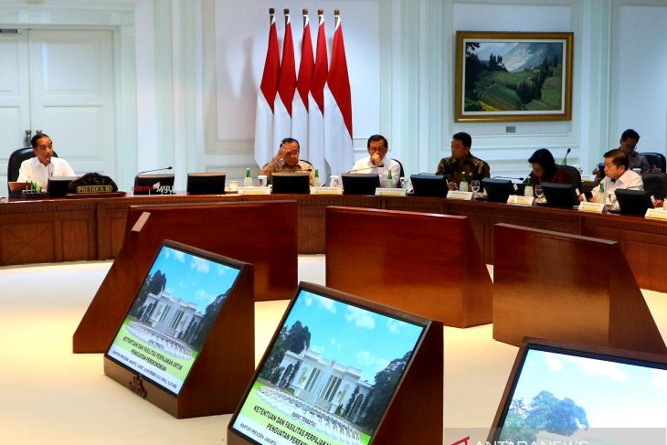 We can be less dependent on weapon imports: President Jokowi