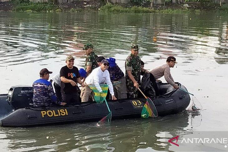 Ribuan warga Pangkalpinang ikuti gotong royong akbar di sepanjang alur Sungai Rangkui
