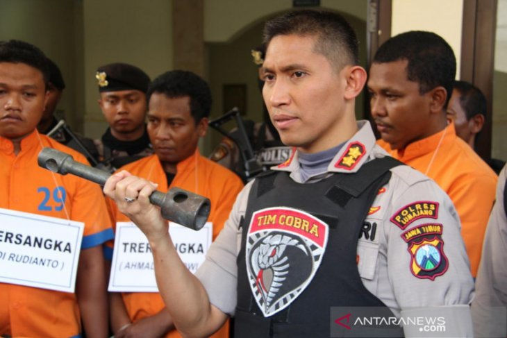 Delapan pelaku perampokan dan pembunuhan sopir truk pasir di Lumajang jadi tersangka
