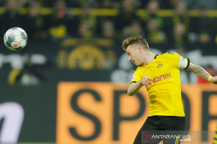 Dortmund nyaris dipecundangi tim juru kunci di kandang sendiri