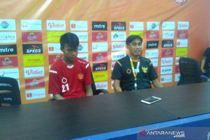 Pelatih tim pelajar Indonesia minta maaf timnya dikalahkan Malaysia dan gagal ke final