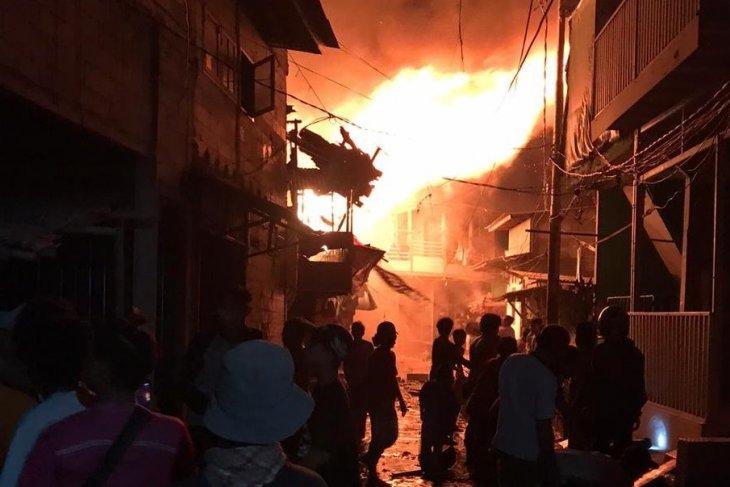 Puluhan rumah terbakar di Taman Sari