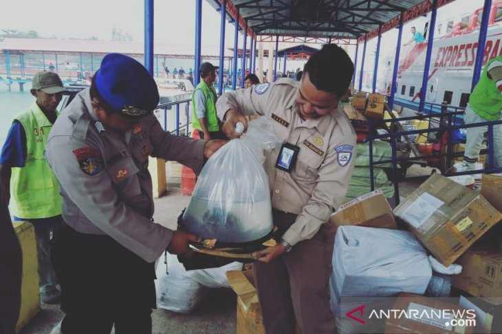 Polres Bangka Barat perketat pemeriksaan bongkar muat kapal cepat