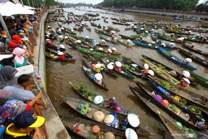 Wisata Pasar Terapung di Sungai Martapura Banjarmasin ditutup terkait COVID-19