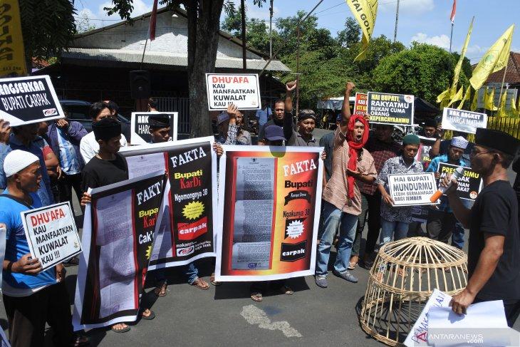 Aliansi Aktivis Jember tuntut pemakzulan Bupati Faida