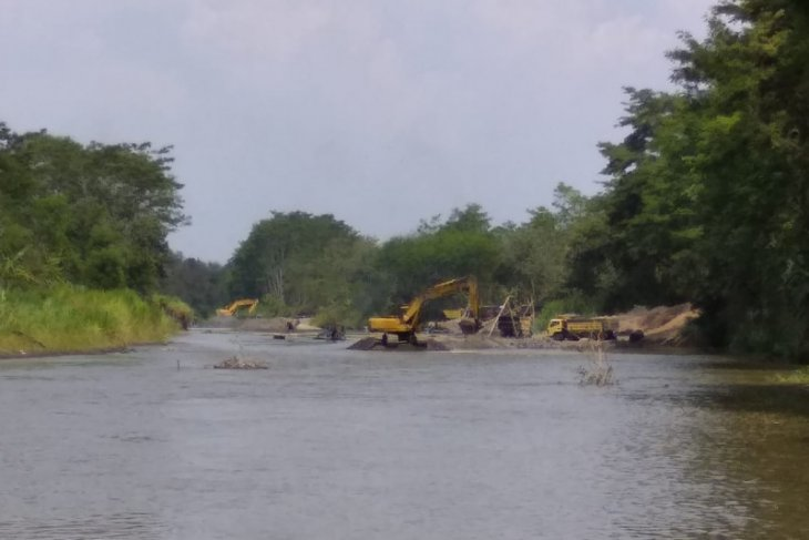 Aktivis lingkungan Tulungagung surati Kapolri terkait penambangan ilegal Sungai Brantas