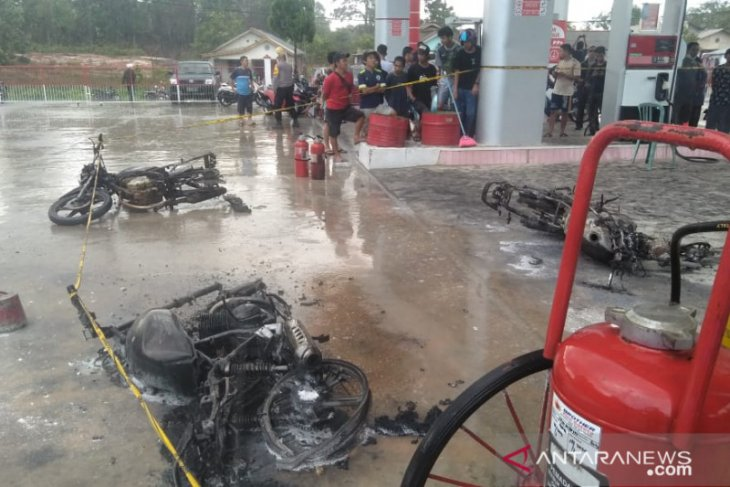 Lima sepeda motor hangus akibat kebakaran di SPBU Kace