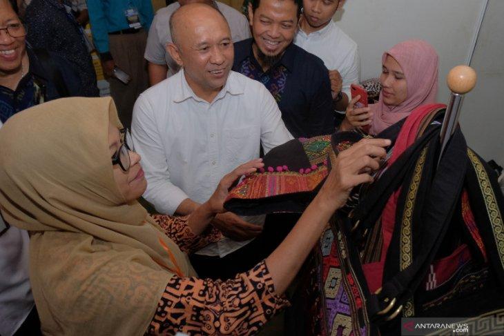 Menkop inginkan pusat UMKM Indonesia di Bali (video)