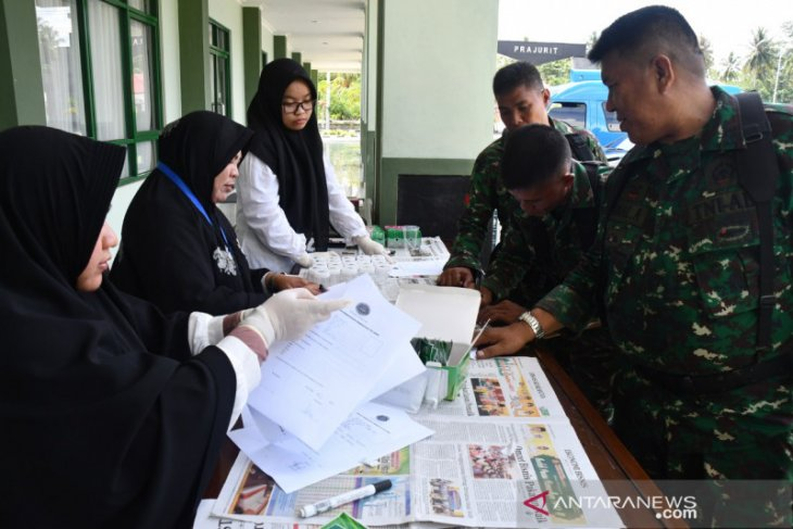 40 mily personnel in Gorontalo join urine test for drug prevention