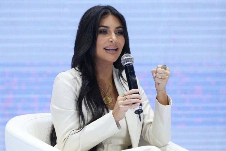 Ikut protes, Kardashian