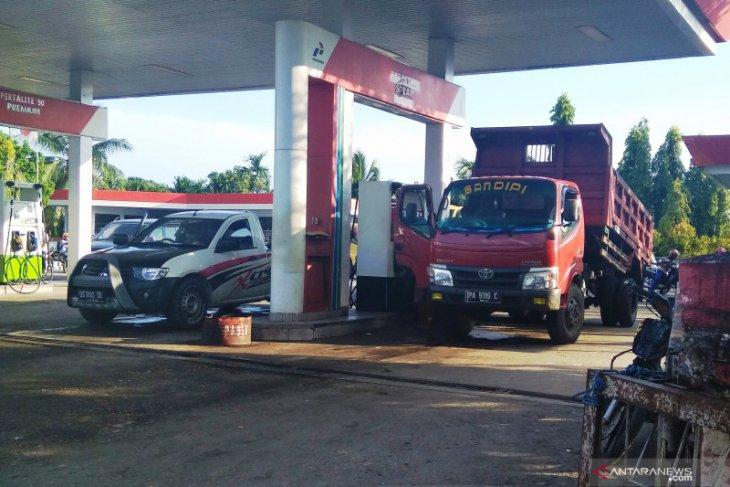 Gubernur Irwan Prayitno sebut solar bersubsidi lari ke tangan industri