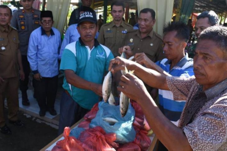 Bupati Deliserdang ajak masyarakat gemar makan ikan