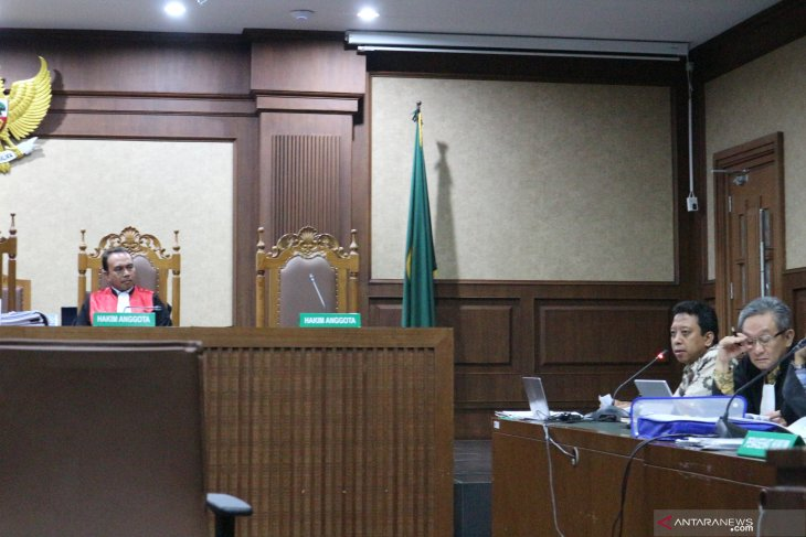 Mantan Ketum PPP Rommy luapkan kemarahan kepada  saksi