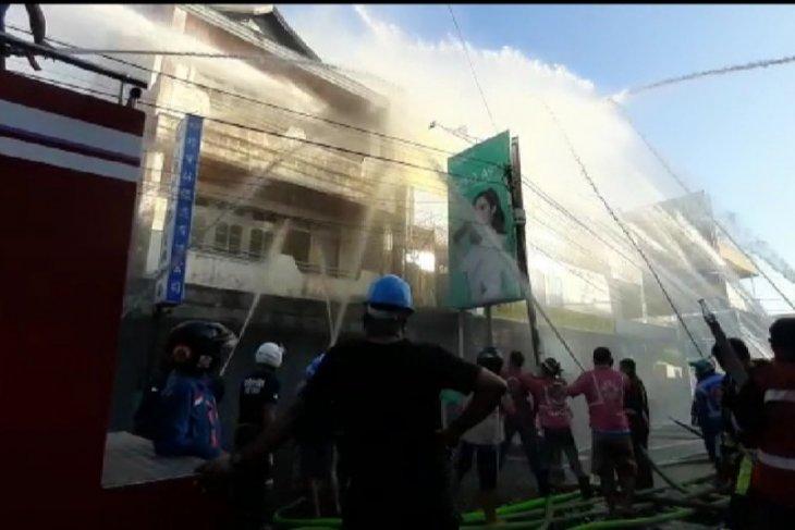 Polresta Pontianak selidiki penyebab empat ruko terbakar di Pontianak