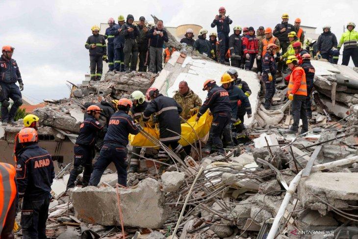 Albania upayakan penangkapan terkait 51 korban tewas akibat gempa