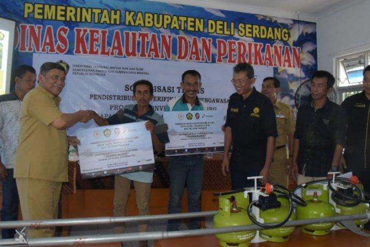 Nelayan Deliserdang terima bantuan mesin kapal berbahan  bakar gas