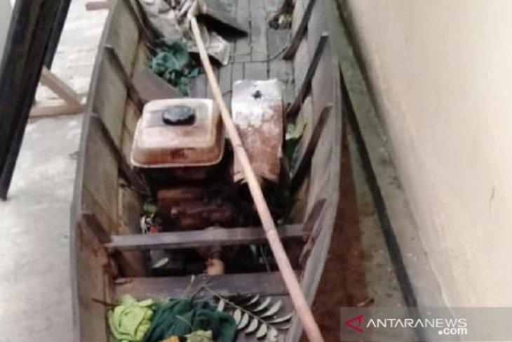 Polsek Simpur amankan pelaku penyetrum ikan yang ditangkap warga