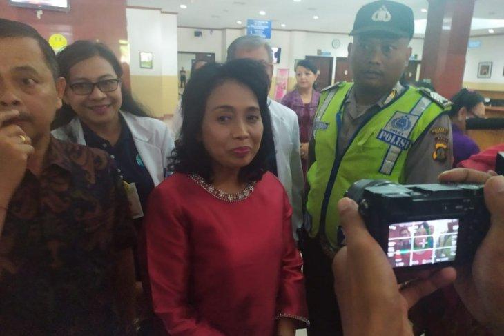 Menteri PPPA jenguk balita korban penganiayaan di RSUP