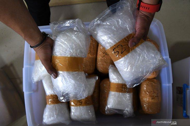 N Sumatra police officer arrested in drug case