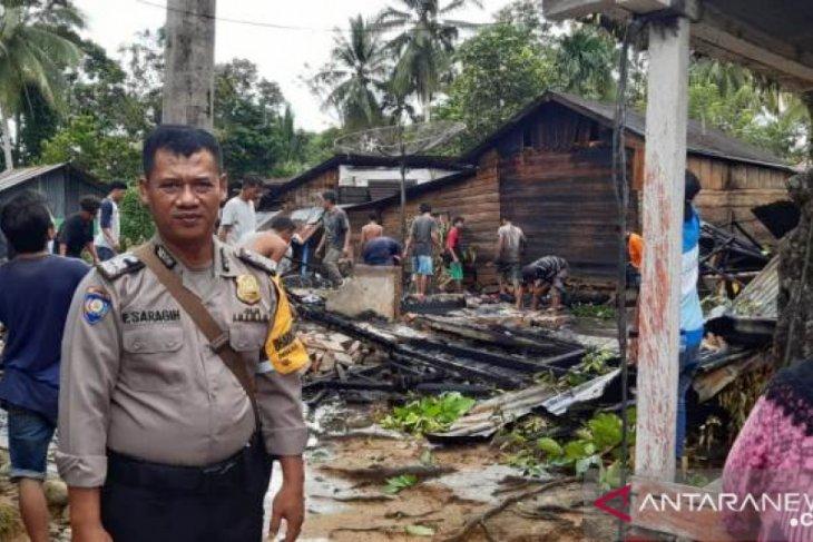 Rumah Sabirun di Batang Toru habis terbakar