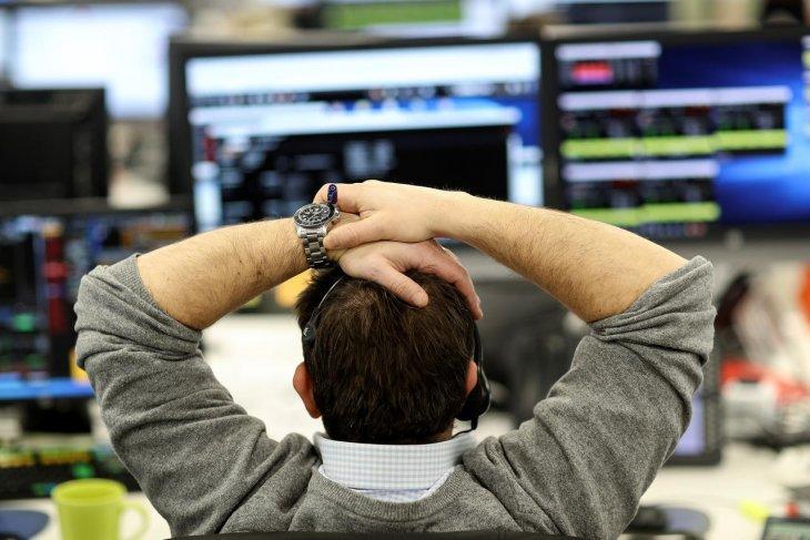 Saham Inggris jatuh lagi dengan indeks FTSE 100 anjlok 1,54 persen  menjadi menetap di 5.897,76 poin