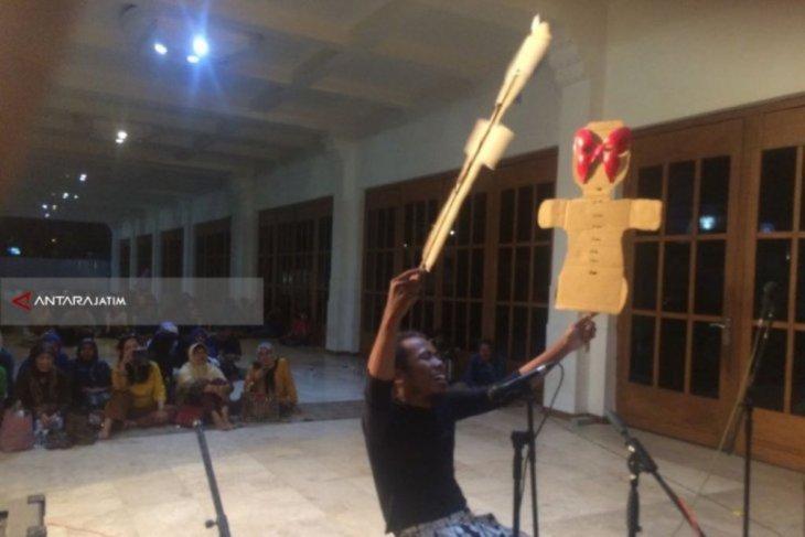 DKS gagas pertunjukan Sastra Jawa