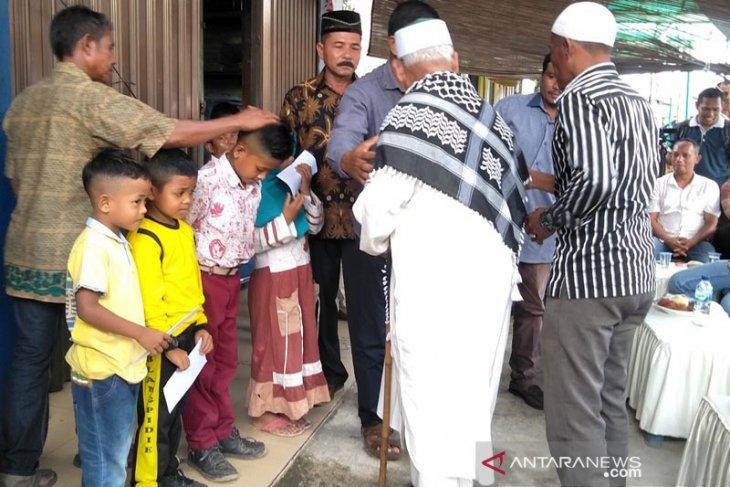 Mantan kombatan GAM Abdya santuni anak yatim
