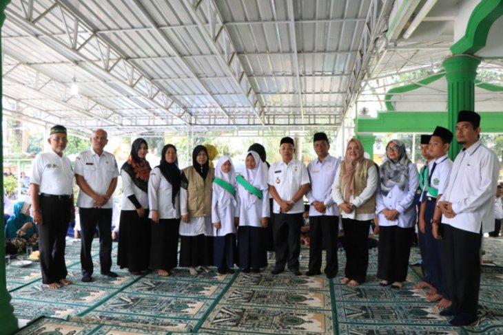 Idaham resmikan bank sampah milik MTs Nurul Iman