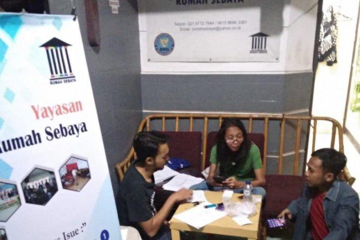 Pria homoseksual positif terinfeksi HIV di Bekasi dapat pembinaan