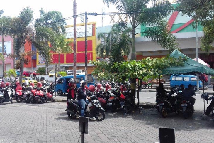 Dishub Ternate sediakan portal elektronik di kawasan Jatiland Mall dukung PAD