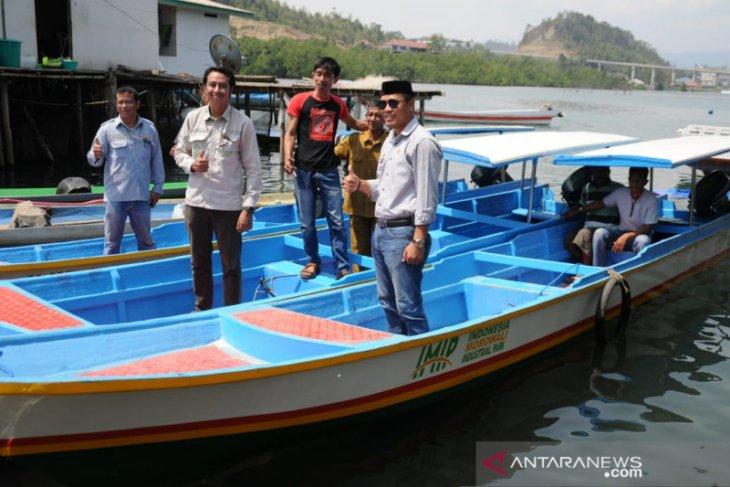 IMIP serahkan kapal penangkap ikan untuk nelayan Morowali