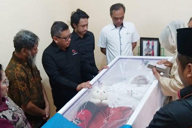 Sekjen PDIP melayat almarhumah mantan aktivis 98 di Surabaya