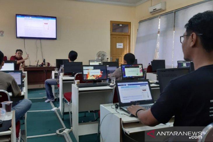 25 jurnalis Kalbar ikut pelatihan cek fakta Pilkada Serentak 2020