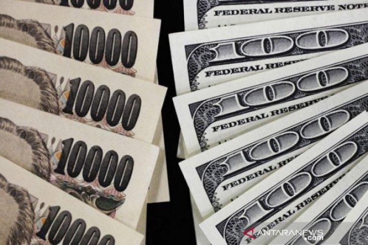 Dolar AS tergelincir terseret inflasi