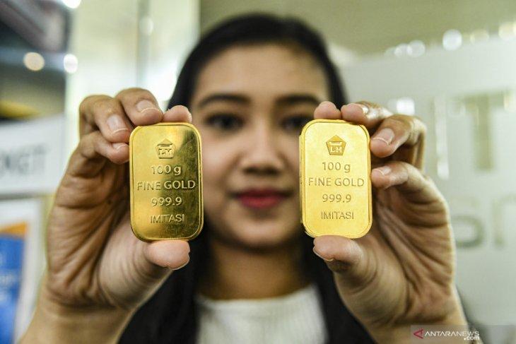 Harga emas Antam kembali naik menjadi Rp4000