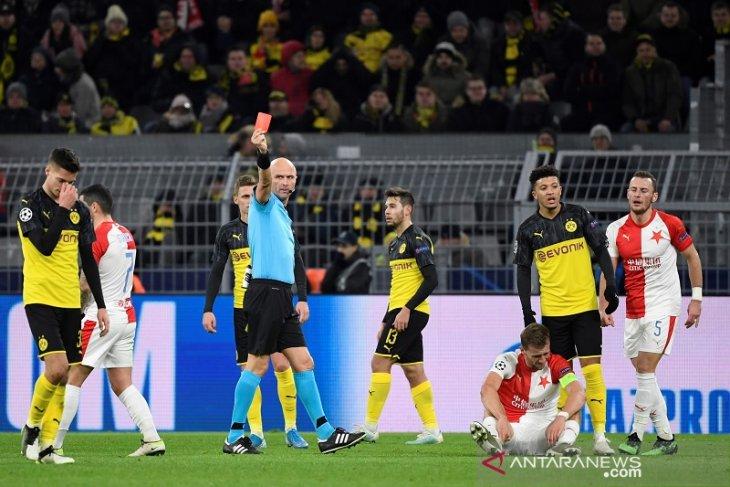 Dortmund lolos ke 16 besar, bekuk  Slavia dengan 10 pemain,